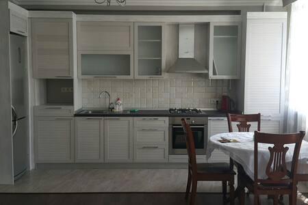 Уютная квартира в тихом центре. - Бишкек - Wohnung
