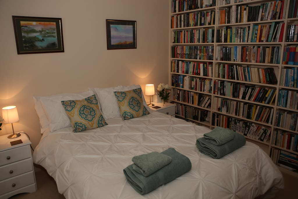 Romantic setting with comfortable double bed
