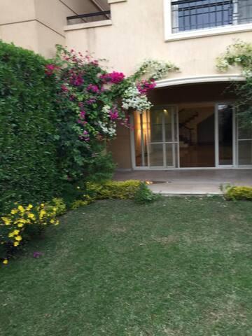 Villa @ STONE PARK, New Cairo, close to everywhere