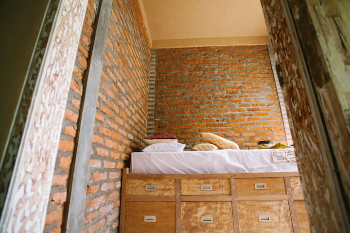 The SECRET ROOM @HomeAtKertamulia - Denpasar - Huis