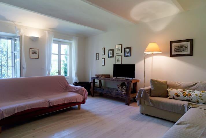 Le Stanze dei Racconti CesarePavese - Ferrere - Appartamento