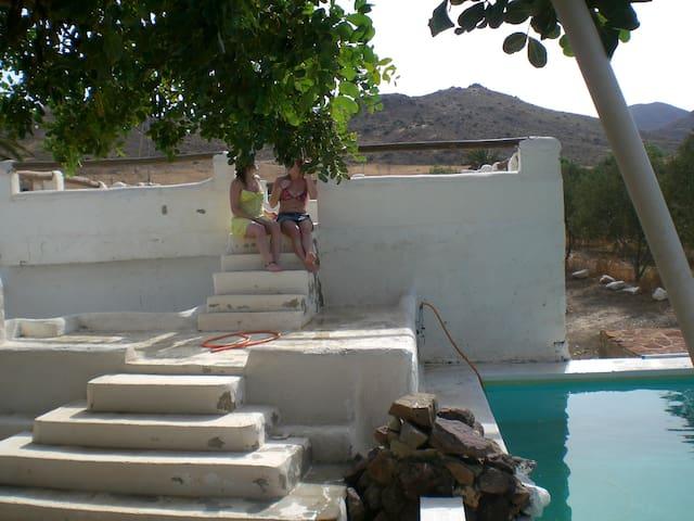 VILLA EN PARQUE NATURAL CABO DE GATA EN ALMERIA - El Pozo de los Frailes - Hus