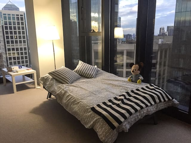 Skyview Private Room on Collins st - Melbourne - Apartment