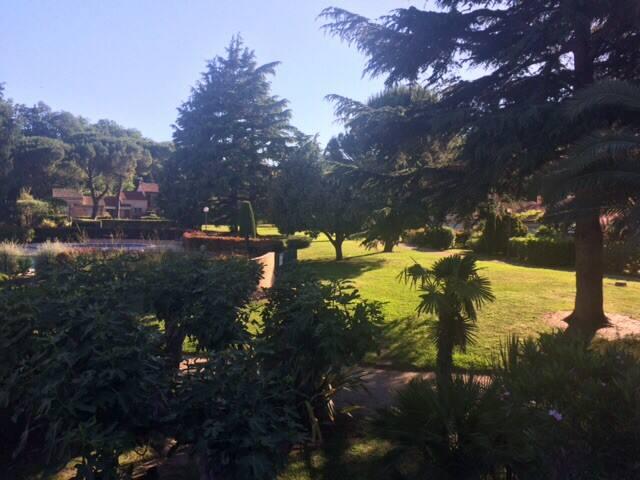 Piscine & tennis dans parc arboré de 3ha près golf