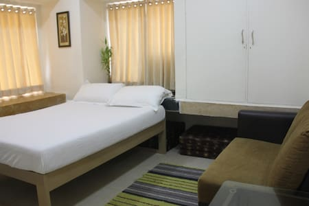 Private Room on the shore of Juhu Beach - Mumbai - Appartement
