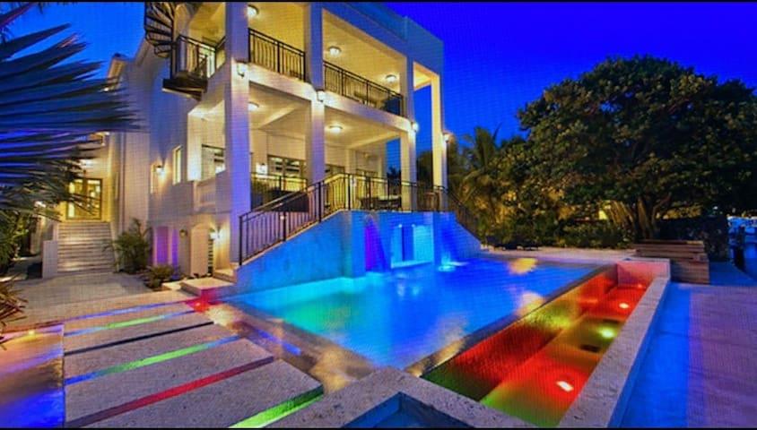 Villa LeBron