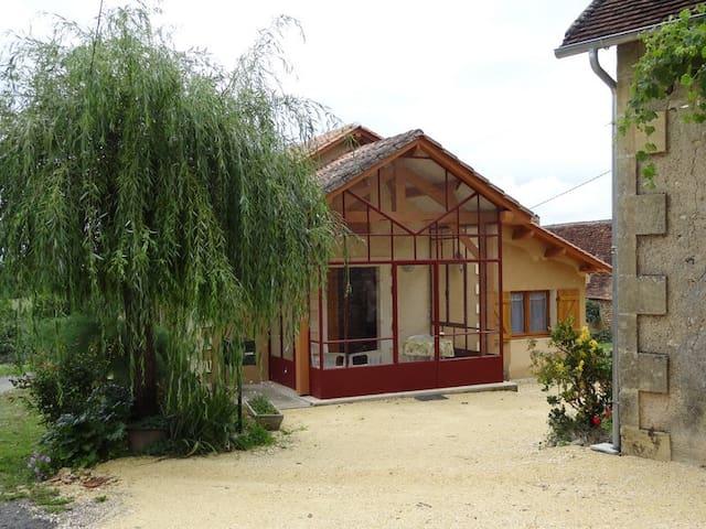 Gite en Périgord proche de Lascaux - Rouffignac-Saint-Cernin-de-Reilhac - House