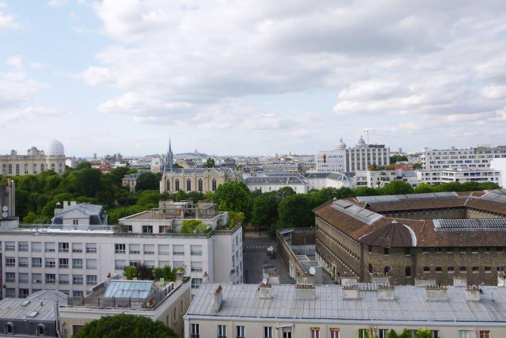 large top roof near montparnasse flats for rent in paris le de france france. Black Bedroom Furniture Sets. Home Design Ideas