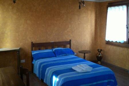 Golden dawn Queen-size room