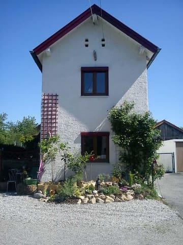Haus ab Juni frei 4-5 Wochen; Monatspreis 1200,- € - Weilheim in Oberbayern - Ev