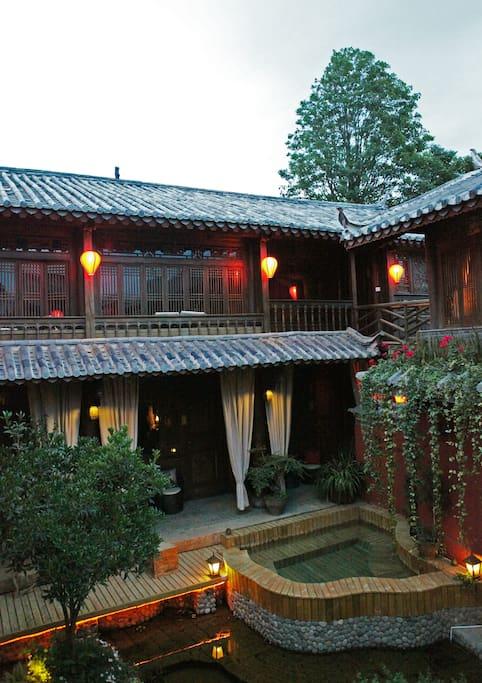 庭院 Courtyard