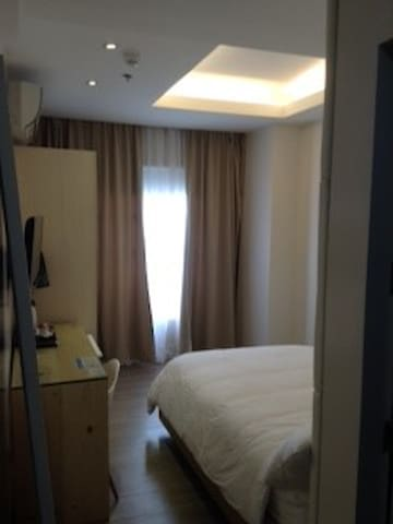 F2M Tower Room next to Mall - Rm2 - Legazpi City - Inny