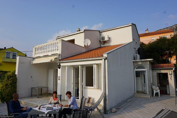 Villa Rosa, im Vinodol (Weintal) Bribir