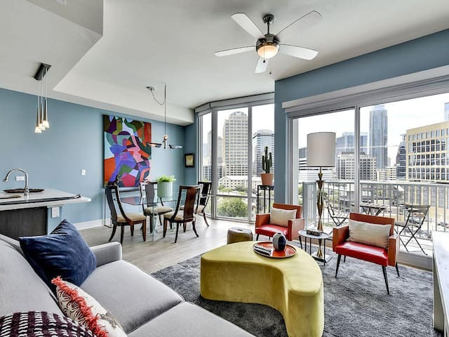 Prime 1BR w/ Pool + Gym in Downtown Austin