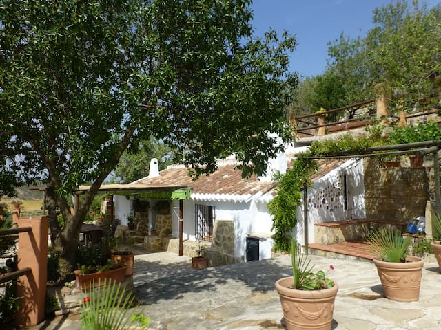 Peaceful country house with magnificent views - Valle de Abdalajís - Casa