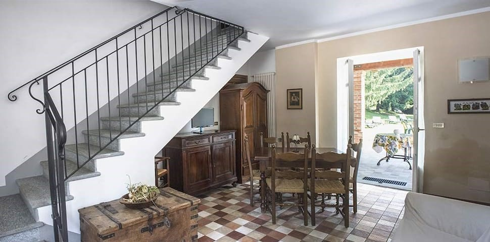 Apartment for 3+2 persons with pool R32444