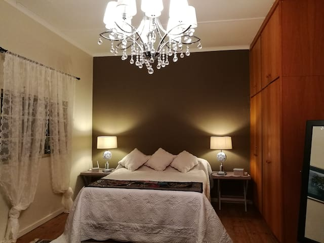 Edge of Town - Accommodation - 3 Rooms - Tulbagh - Casa