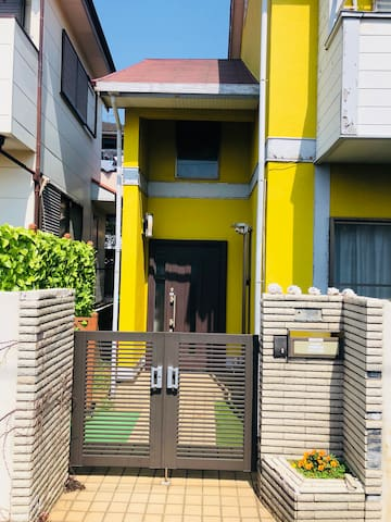 The front door/大门入口/玄関入り口