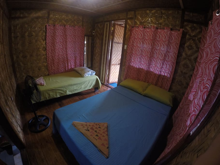 Room good for 3 with mosquito net and stand van