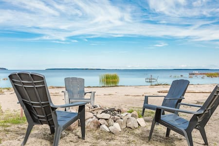 Grandview Beach House an incredible beach waterfront is waiting for you!