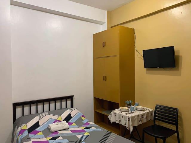 Cozy Room in Libertad near SM Mall of Asia SMX COD