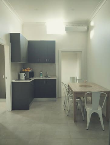 Room For Rent In Leichhardt In an Apartment