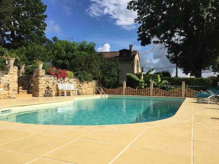 Duplex climatisé et piscine proche Saint-Emilion