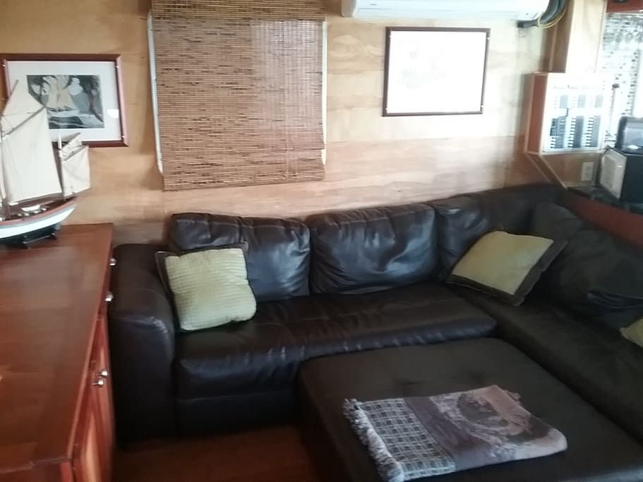 Wrap around sectional