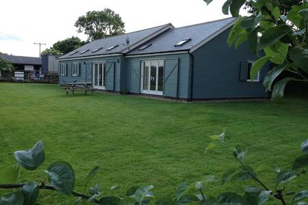 Swift Stables Holiday Cottage - Mowsley - Bungalow