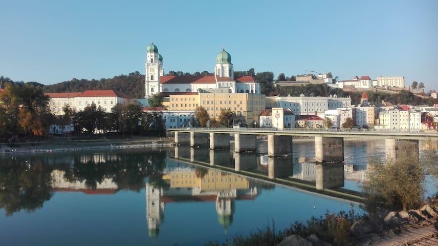 mtrs to donau radweg TOP location sensational VIEW - Passau - Stadswoning