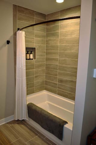 Share bathroom for Suzie Q and Tommy Boy bedrooms