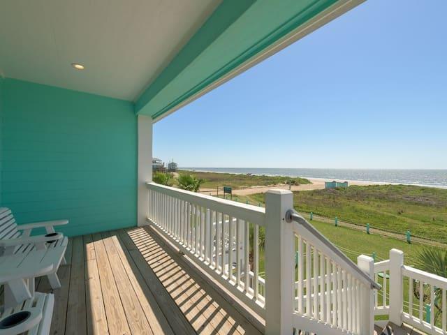 Salty's 1, Beach Front, Dog Friendly, Crystal Beach, Bolivar, Texas, Cottage