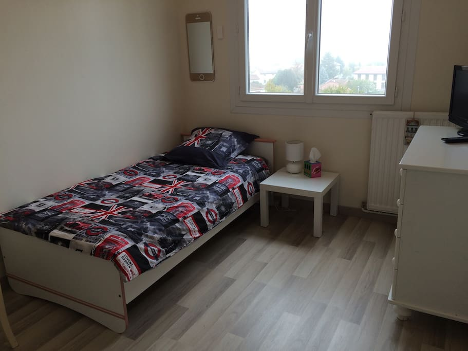 Chambre individuelle lit simple apartments for rent in bourg en bresse ain france - Chambre des metier bourg en bresse ...