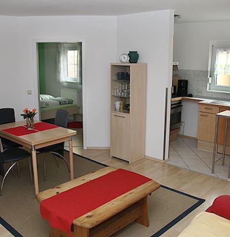 Gästehaus Hettich: Ferienwohnung - Merdingen - Lägenhet