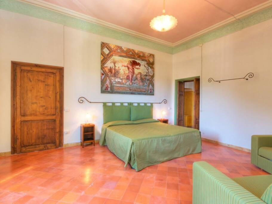 Suite con letto extra large 200x200 e n.2  letti singoli 90x200