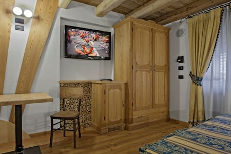 Stanza Pantani - Terzolas - Bed & Breakfast
