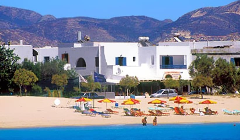 colosseo studios (2 adults), on the beach, naxos