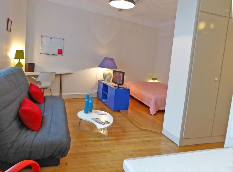 calas studio meubl centre ville gare 1 3 p flats for rent in troyes champagne ardenne. Black Bedroom Furniture Sets. Home Design Ideas