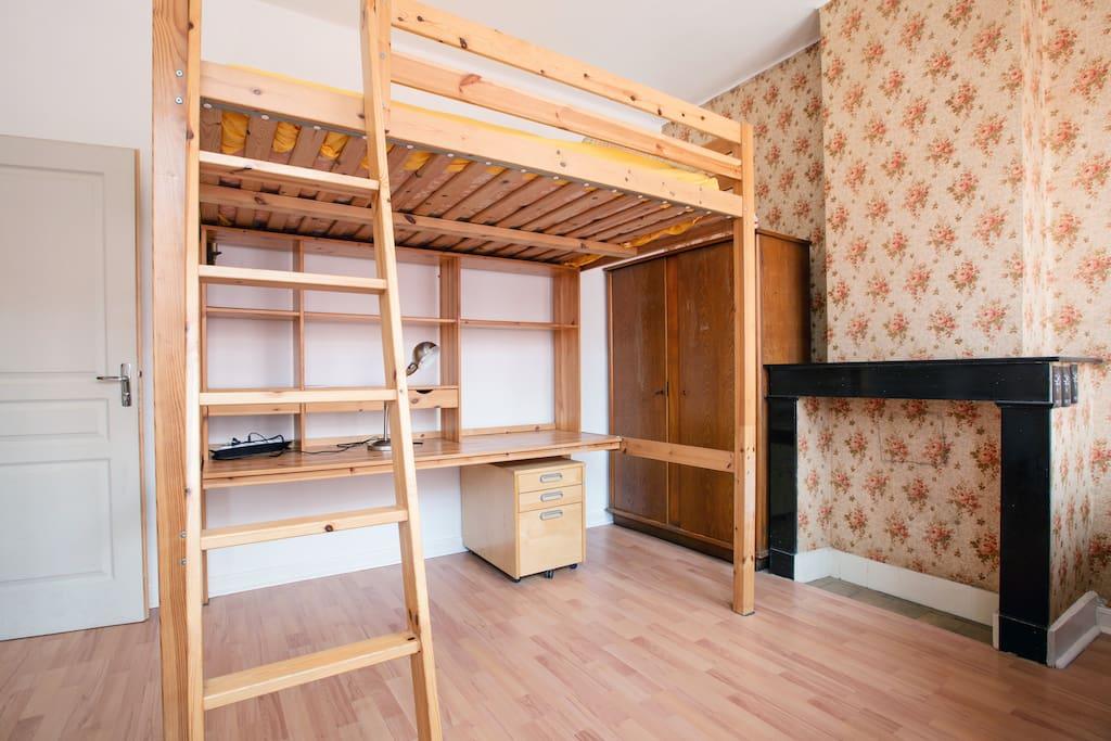 Studio convivial : lit mezzanine 2 pl. ajout possible 1 lit 1 place en dessous