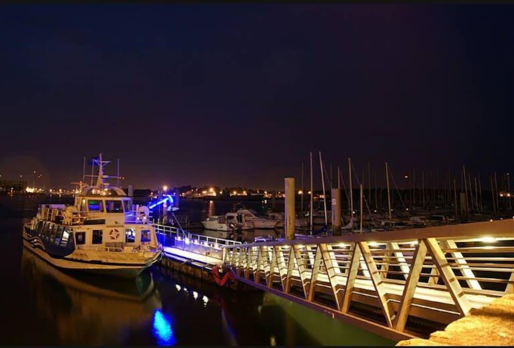 bateau bus pour aller à Lorient