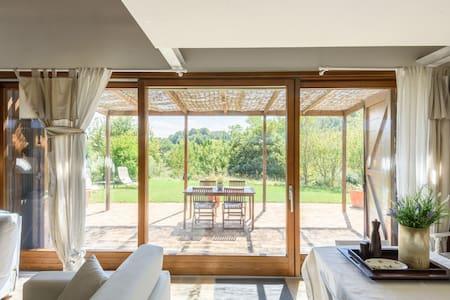 Romantico e paradisiaco Cottage - Siena - Allotjament sostenible a la natura