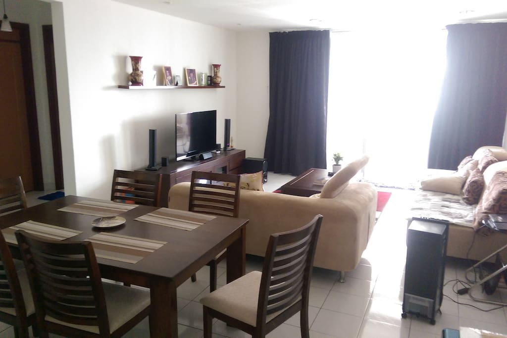Living room, Cable TV, Wifi, DVD player sound system. Dining table. Couch
