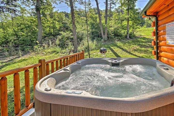 Charming 3BR Mt Jackson Log Cabin w/ Hot Tub!