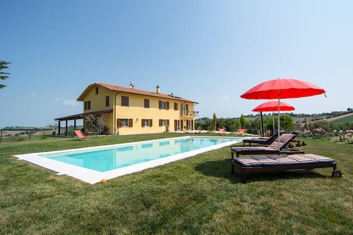 Villa Olesia, between Senigallia and Jesi - Marche