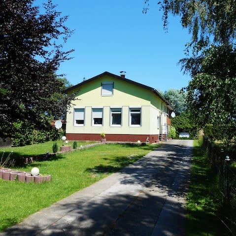 2, 3, und 4Bett-Zimmer, Neuendorf - Neuendorf bei Elmshorn - Casa