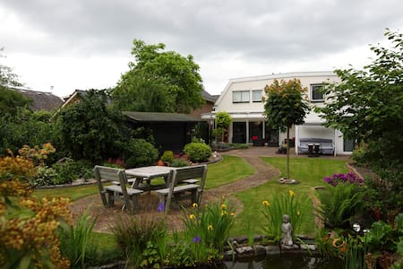 1 van de 5 Rooms in a Comf. House - Nijverdal
