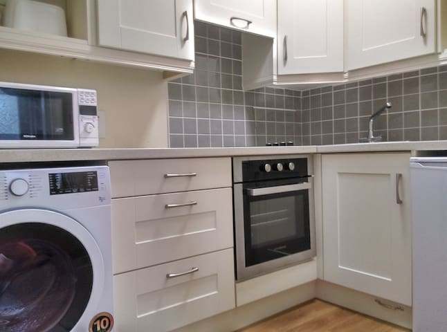 1Bedroom Apartment 5-10min walk from KillarneyTown