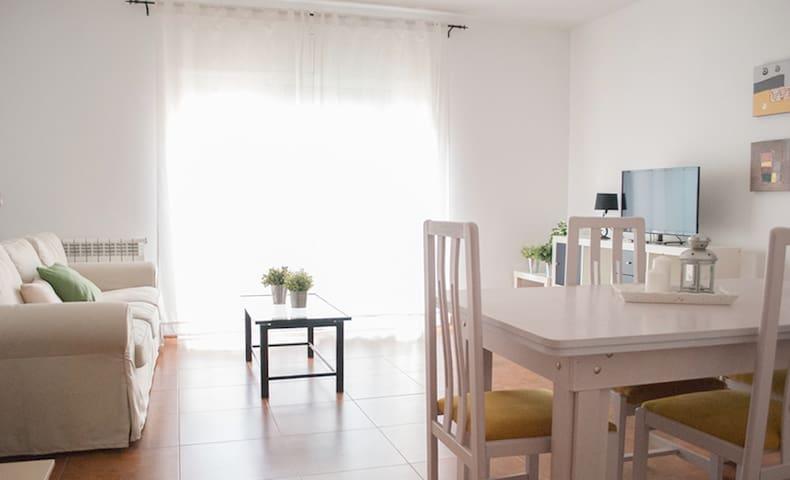 Casa adosada para 6 personas con Piscina común - Bonastre