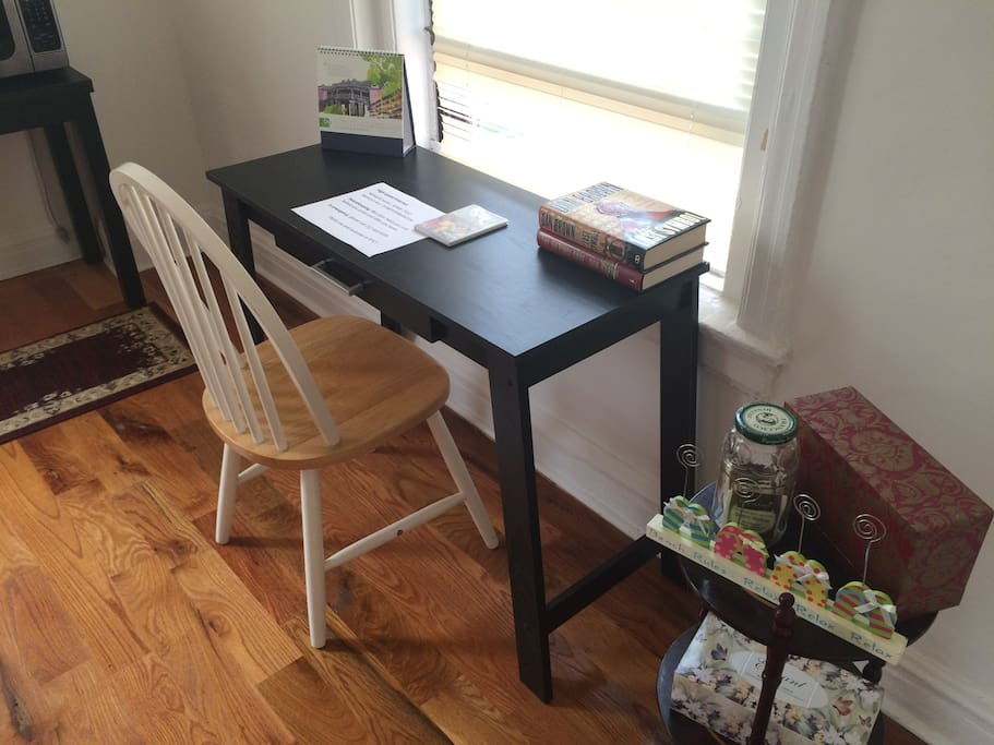 Friendly, sun-lighting workspace/reading space for you!