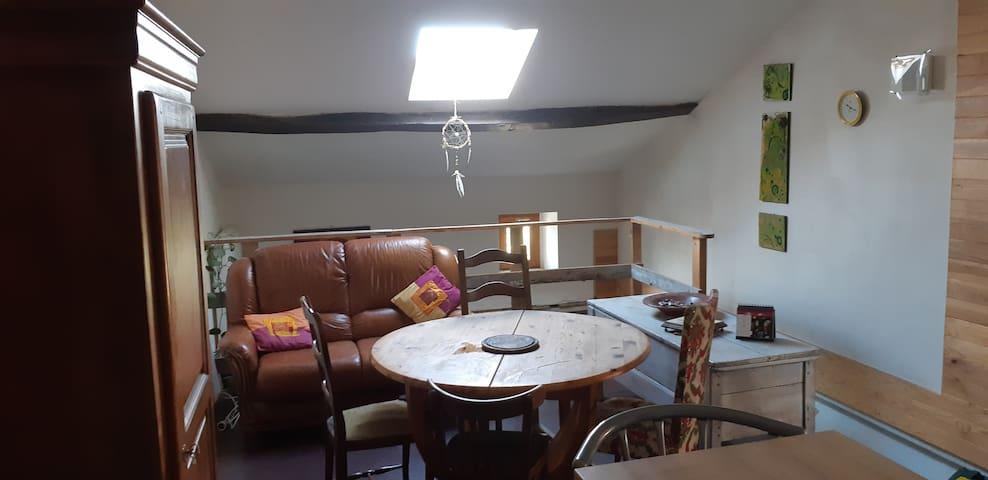 Studio cosy sous les toits